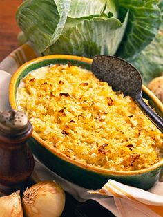 Cabbage Casserole Cabbage and onion bake in an egg custard in this side-dish casserole recipe. Crushed crackers help thicken the mixture Side Dish Recipes, Vegetable Recipes, Vegetarian Recipes, Cooking Recipes, Healthy Recipes, Diabetic Recipes, Delicious Recipes, Cabbage Casserole, Casserole Dishes
