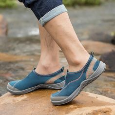 2017 Summer Breathable Men's & Women's Water Shoes - Mesh Aqua Shoes, Beach Shoes, Lightweight Outdoor Walking Sneakers Gender: Men Brand Name: KERZER Upper Material: Mesh (Air mesh) Closure Type: Slip-On Feature: Breathable Outsole Material: EVA Fit: Fits true to size, take your normal size Level Of Practice: Beginner Release Date: Spring 2017 Color: Blue / Red / Green Style: Unisex Aqua Shoes