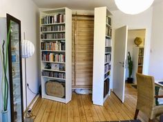 A Murphy bed is a great way to save floor space in a small studio or even a guest room. But it's also a pretty big investment, furniture-wise. If you're considering a Murphy bed, whether you plan to buy one or build it yourself, first check out this roundup of sources and ideas.