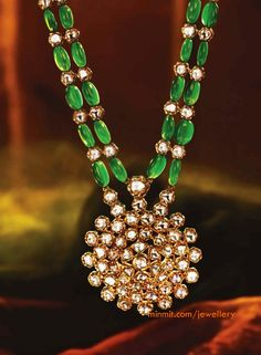 Emerald Beads Necklace with Uncuts Pendant