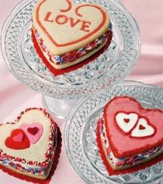 Mouth watering Valentine's Day cookie sandwiches!