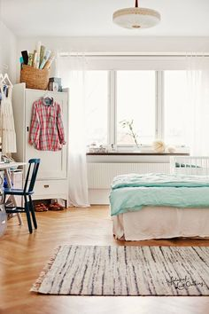 How to decor a tiny room? - Home Fashion Trend Comfy Bedroom, Bedroom Decor, Dream Bedroom, Home Interior, Interior Design, Scandinavian Interior, Apartment Chic, Cool Rooms, Home Fashion
