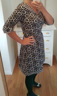 MyMy sysler : ... jersey kjole med prikker. ..