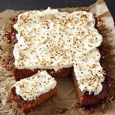 Helppo porkkanakakku - Reseptejä Baking Recipes, Cake Recipes, Finnish Recipes, Good Food, Yummy Food, Cake Bars, Sweet Pastries, Piece Of Cakes, No Bake Cake