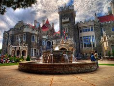 Picture titled Relaxing Outside the Casa Loma from our Toronto, Canada photo gallery. Check out this and 36 other pictures of Toronto. Visit Toronto, Toronto Canada, Westminster, Oh The Places You'll Go, Places To Visit, Mansion Homes, Voyage Canada, Destinations, Famous Castles