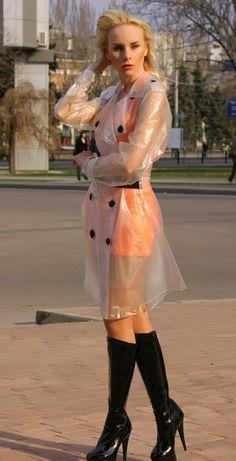 Clear Raincoat, Vinyl Raincoat, Pvc Raincoat, Plastic Raincoat, Plastic Pants, Rain Fashion, Latex Fashion, Imper Pvc, Transparent Raincoat