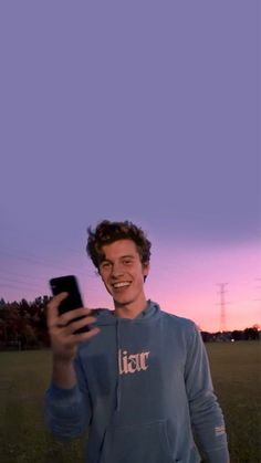 Shawn Mendes Lockscreen, Shawn Mendes Wallpaper, Shawn Mendes Imagines, Cameron Alexander Dallas, Shawn Mendas, Shawn Mendes Cute, Hottest Guy Ever, Chon Mendes, My Boyfriend