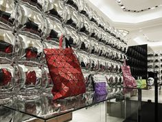 Moment inflates balloon walls for Issey Miyake pop-up shop - News - Frameweb