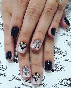 """53 curtidas, 2 comentários - Jéssica Dos Santos (@jehhdossantoss) no Instagram: """"Preto lindo! #ateliedaje #unhasdecoradas #unhaslindas #agenteama #vempraca #pedrarias ❤❤❤"""""""