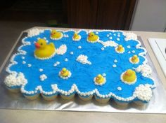 Rubber ducks cupcake cake