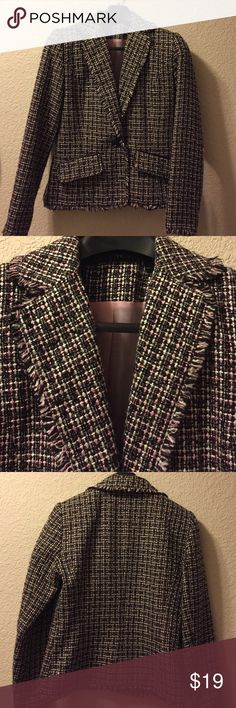 Size 6 Larry Levine black/white/pink blazer Larry Levine size 6 fringed pink, black and white blazer. So many options. Winter with black pants. Spring with pink or white slacks. Out for fun with black, white, blue or pink jeans. 100% acrylic Larry Levine Jackets & Coats Blazers