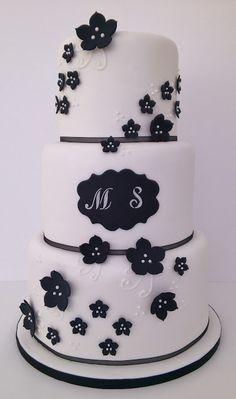 Atelier Sucrème: Tarta de boda en blanco y negro