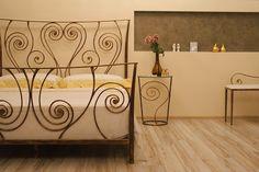 beautiful romantic bed
