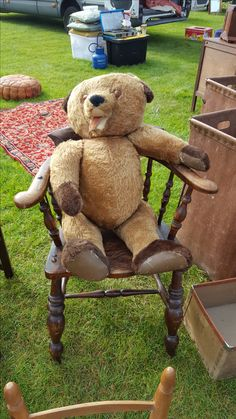 This old teddy is having a chuckle at everybody walking past him I think at Lincoln antiques and home show