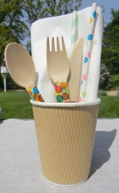 Spotty ideas, spotty paper straws and customized wooden cutlery with Washi tape
