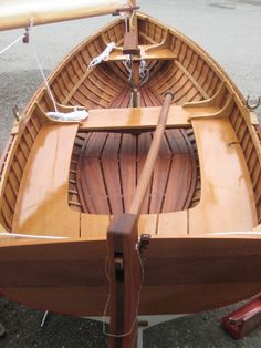 The Red Grandy - first time out in the sunshine Wooden Boat Building, Boat Building Plans, Jon Boat, Boat Dock, Sailing Dinghy, Sailing Boat, Sailing Ships, Boat Companies, Wooden Sailboat