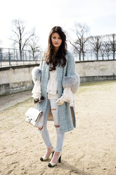 Such a well put together outfit!!!! And it includes fur meaning that it is 10x more chic