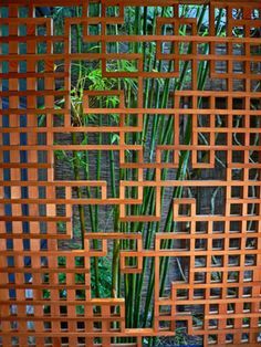 Beautiful screen, definitely something I\'d want, but WOW time consuming to make! Japanese Fence, Japanese Screen, Japanese Pergola, Wooden Screen, Wooden Gates, Metal Screen, Landscape Elements, Garden Landscape Design, Landscape Quilts