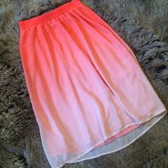 """Coral and peach ombré skirt This beautiful skirt starts at an orange-y coral and turns into a light peach. Ombré style, sheer overlay, fully lined. Elastic waistband. Waist: 13"""", length: 28.5"""".  Brand new with tags. Old Navy Skirts A-Line or Full"""