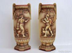 Antik Jasperware Rudolstadt vaza par c.1890! Beer, Tableware, Root Beer, Ale, Dinnerware, Tablewares, Dishes, Place Settings