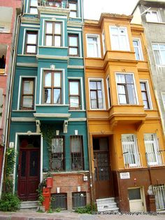 Balat Streets – istanbul – 2020 World Travel Populler Travel Country Turkish Architecture, Historical Architecture, Istanbul City, Home Management, Interesting Buildings, Turkey Travel, Best Cities, Building A House, Ottoman