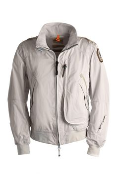 Parajumpers sand.