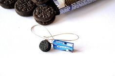 Tiny Oreo cookie and Oreo cookie box earrings Cookie Box, Oreo Cookies, Oreos, Miniature Food, Miniatures, Pasta, Jewellery, Unique Jewelry, Handmade Gifts