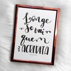 ✨ E se foram 10 dias do desafio #30diasdehandlettering Esse quadrinho também foi emoldurado e virou presente! #longe #acredita #acreditar #lettering #handlettering #quadrosdecorativos #quadrofrases #art #frase #amorderabisco