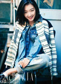 Chinese actress Zhou Dongyu