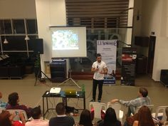 Paco Lorente hablando de La Sonrisa de Martina en Trends & Tendencies organizado por ESUMER Medellín y ESIC