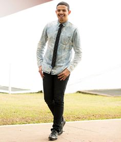 Total jeans + gravata = ❤️ @raisamellofotografia #perfectmatch #skull #sunglasses #jeansshirt #ootd #lookoftoday #style #fashionblogger #mensstyle #menswear #imageconsultant #personalstylist #consultoriamasculina #bloglookperfeito #douglasmm #sp #itboy #brazilian #styleformen #modamasculina #fashion #fashionmen #menstyle #menswear #ootdmen #delave