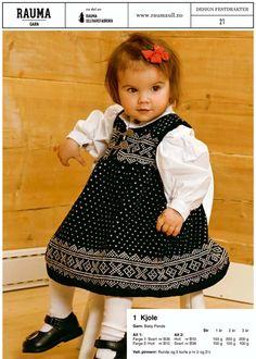 Bilderesultat for strikket barnebunader Girls Dresses, Flower Girl Dresses, Knitting, Wedding Dresses, Clothing, Fashion, Dresses Of Girls, Bride Dresses, Outfits