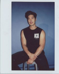 You most likely recognize Ross Butler from his roles in several hit TV shows. If you don't recognize him, you haven't been paying attention. Ross Butler Wallpaper, Ross Butler 13 Reasons Why, Zach Dempsey, Tumblr Face, Garrett Clayton, Ross Lynch, Men Style Tips, Celebrity Dads, David Beckham