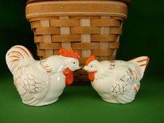 Chicken Rooster Salt & Pepper Shakers Made in Occupied Japan and orange white gold JAPAN figurine set kitchen vintage ivory bird spice