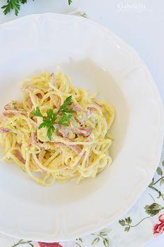 Spagetti, Bacon, Ethnic Recipes, Food, Essen, Meals, Yemek, Pork Belly, Eten
