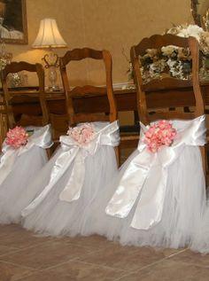 Bodas: sillas con cola de novia.