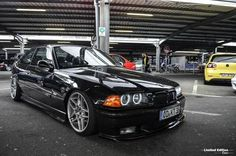 Black BMW e36 coupé o new style 17'' BBS RA wheels