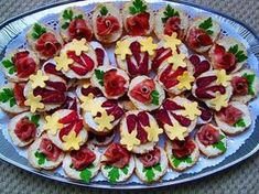 12 Cold Appetizers Serving Ideas for all Occasions Cold Appetizers, Appetizers For Party, Appetizer Recipes, Food Carving, Czech Recipes, Food Garnishes, Party Buffet, Party Finger Foods, Food Crafts