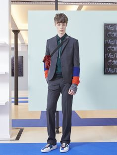 See the complete Carven Fall 2016 Menswear collection.