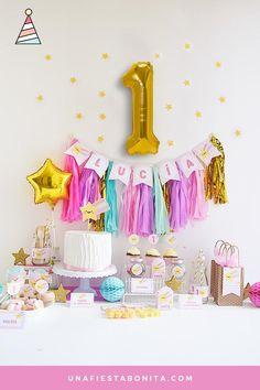 Decora la fiesta más dulces y adorable con esta linda temática de estrellitas. Diseños especiales para celebrar una fiesta de cumpleaños, también puedes usarla para baby shower, primer añitoo bautizo. Kit de fiesta para imprimir de estrella. Archivos con descarga instantánea y textos editables ¡Puedes imprimir las veces que quieras! Birthday Room Decorations, Rainbow Party Decorations, Party Themes, Party Ideas, Party In A Box, Party Kit, Baby Party, Baby Birthday, Birthday Parties
