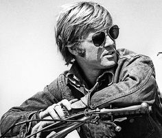Robert Redford on the set ofLittle Fauss and Big Halsy(1970).