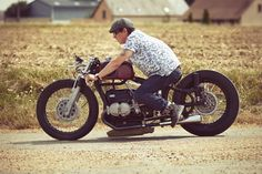 Sprint Beemer by Lucky Cat Garage #riding #motorcycles #motos | caferacerpasion.com