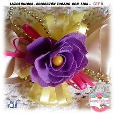 """** lazo tocado con flor ** contatcanos: FACEBOOK: LAZOS DULCES la_dul_71@outlook.es EN INSTAGRAM: ***LAZOS DULCES ******whatsapp 0412 8570497 TODAS LAS COMBINACIONES DISPONIBLES 16 COLORES EN CINTAS RASO O GROSGRAIN FLORES HECHAS A MANO EN TELA """"POP"""""""