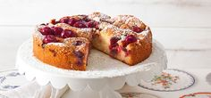Wenige Zutaten, einfach zu backen – der Rührkuchen ist perfekt für alle, die schnell einen leckeren Kuchen auf den Tisch zaubern wollen. Hier finden Sie die leckersten Rezepte von schnell bis exotisch.
