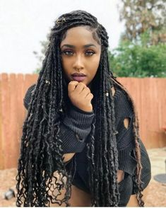 fauxlocs/ faux locks/ faux locs hairstyles are a trend last few yeras. With human hair,kanekalon hair, yarn or marley hair you can try these awesome styles. Braids african american You Never Saw Fauxlocs Explained This Way African American Women Hairstyles, Braided Hairstyles For Black Women, Braids For Black Hair, Black Women Braids, Individual Braids Hairstyles, Black Dreads, African American Braids, Protective Hairstyles For Natural Hair, Black Girl Braids