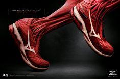 """""""Tu cuerpo es nuestra inspiración""""  La agencia Talent de Brasil es la responsable de esta exquisita y chocante gráfica publicitaria.   Zapatillas hechas de 100% puro músculo para dar lo mejor de tí en el deporte.   Un buen ejemplo de como una imagen puede valer más de mil palabras :)"""