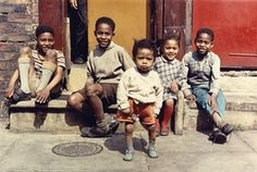 Photographer Shirley Baker documented the last days of Manchester's poorest districts, before concrete flats replaced back-to-back terraces, and pavement games were banished to 'streets in the sky' Vintage Photographs, Vintage Photos, Shirley Baker, 1960s Britain, Street Portrait, Portraits, Slums, African History, African Men