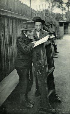 Roman Vishniac - Jewish Life in Eastern Europe, ca. 1935-38. Postcard from Vishniac in Mukacevo to his daughter Mara in Berlin.