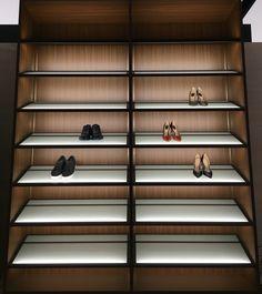 Made in Italy, project by Piero Lissoni for Porro: Moduli a Giorno storage closet for shoes. Closet Storage, Luxury Furniture, Modern Interior, Interior Design, Italian Design, Storage, Contemporary Design, Luxe Interiors, Modern
