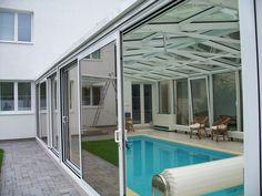 Celoročně využívaná konstrukce nad bazén s integrovanými výztužnými prvky i okapovým systémem. Posuvné dveře pro pohodlnou a jednoduchou manipulaci.